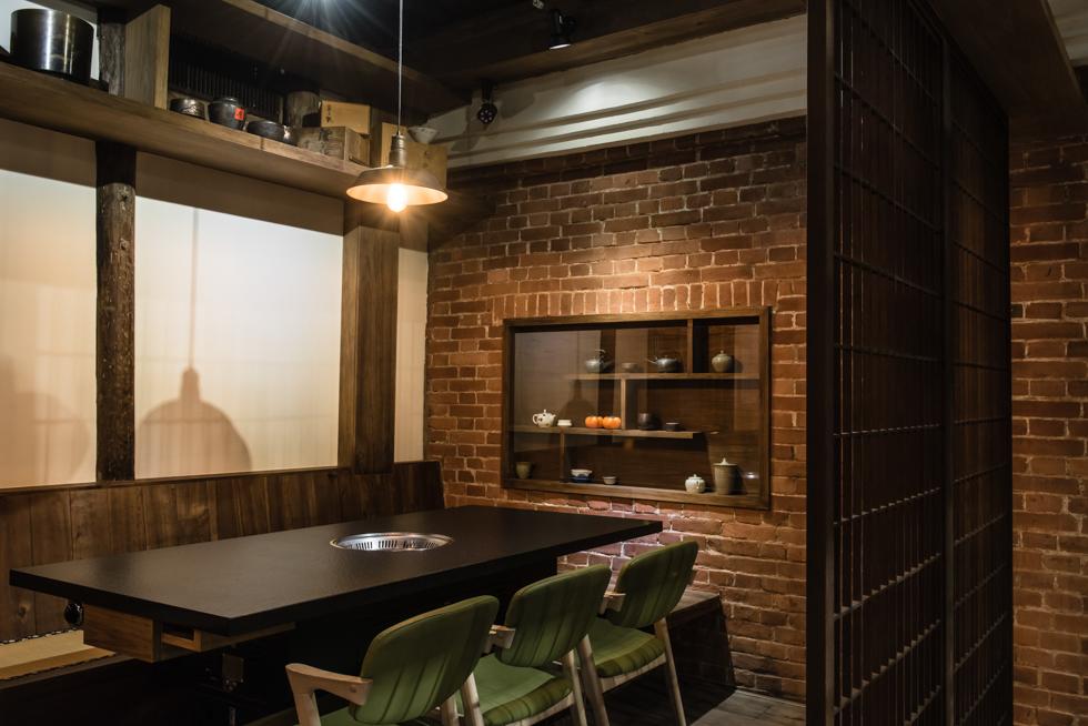 台中,空間攝影,室內設計拍攝,完工拍攝,室內拍照,居家空間,住宅空間,商業空間,建築外觀,燈光設計拍攝,攝影推薦,專業攝影,平面拍攝,攝影報價,室內設計拍攝,三川二目,瓦庫燒肉