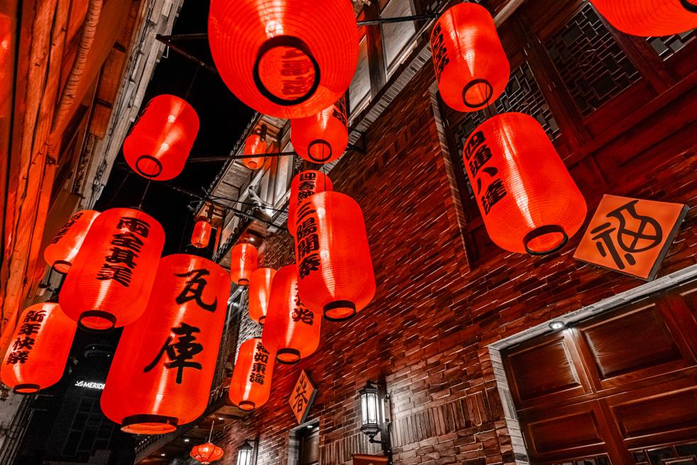 瓦庫麻辣鍋,紅燈籠,空間攝影,形象拍攝,三川二目,台中,照明拍攝